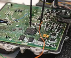کامپیوتر خودرو های سبک - ECU